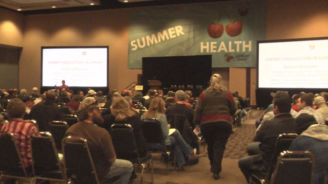 Trade Conference Discusses 2013 Cherry Harvest