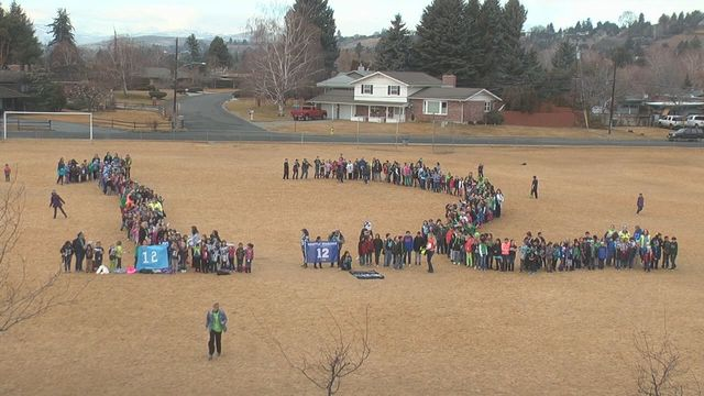 Students Show 12th Man Pride