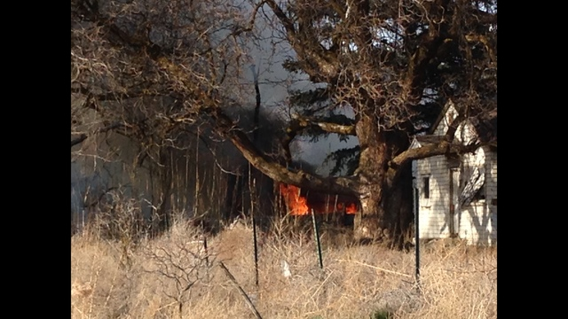 Fire Destroys Mobile Home in Yakima County