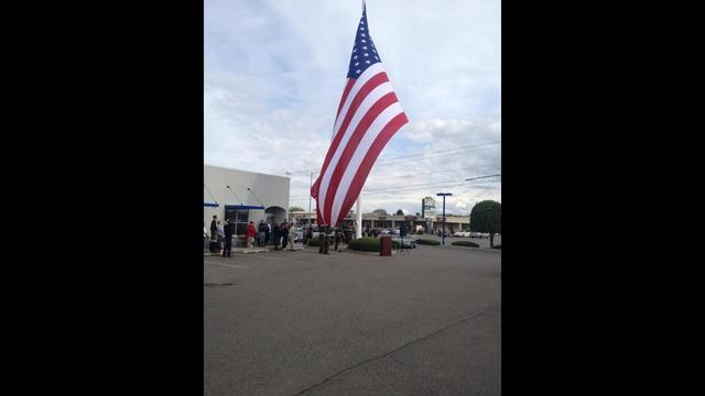 Giant American Flag Goes Up In Kennewick