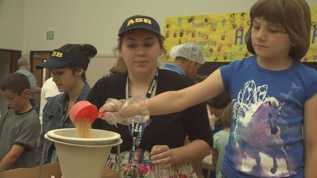 Students Pack Thousands of Meals