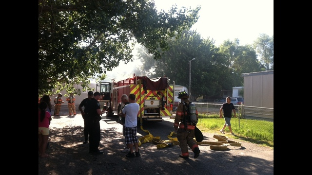 Burning Shed Disrupts Kennewick Mobile Home Park in Morning Fire
