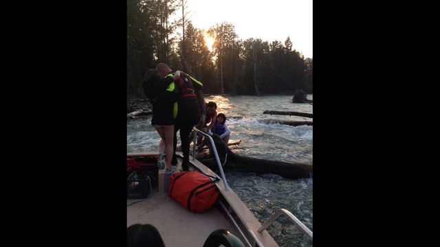 Family of Six Rescued on the Cle Elum River