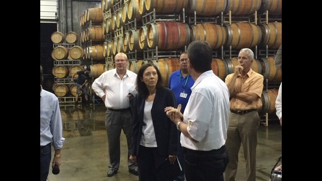 Cantwell Calls for Extension of Key Tool to Support Washington Wine Exports