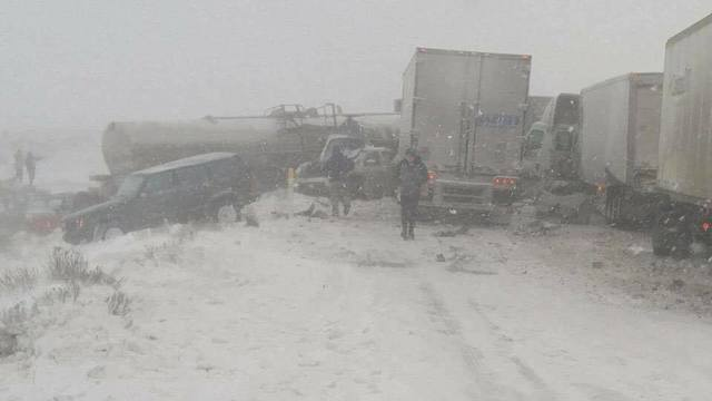 Multiple vehicle pileup stops traffic on I-82