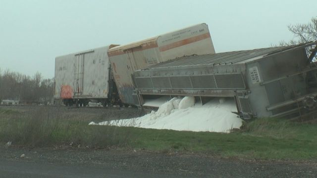 Train derails, spills fertilizer in Finley