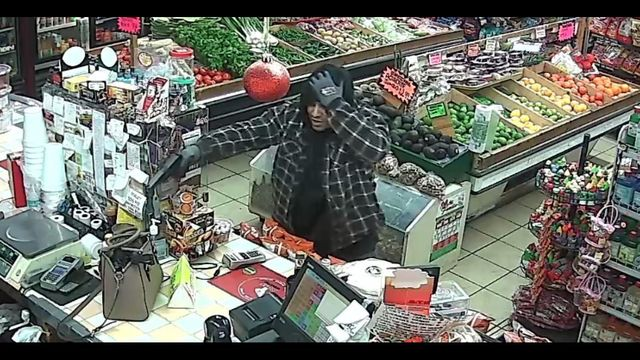 Yakima police seek help identifying armed robbery suspects