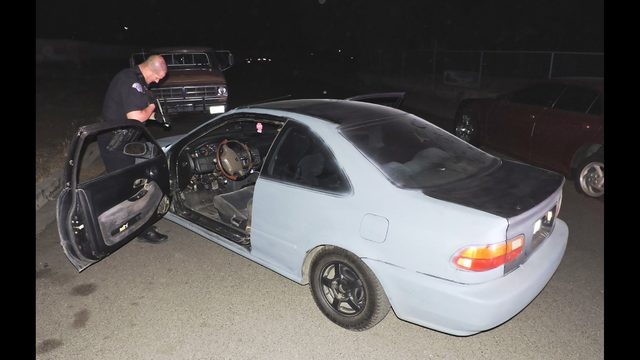 Unknown person ditches car in Pasco roadway